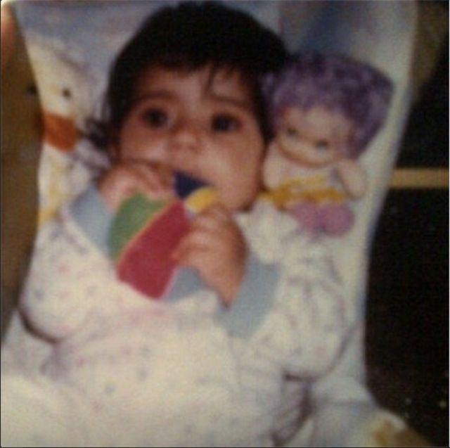 لأول مرة صور شيلاء سبت وهي طفلة صغيرة