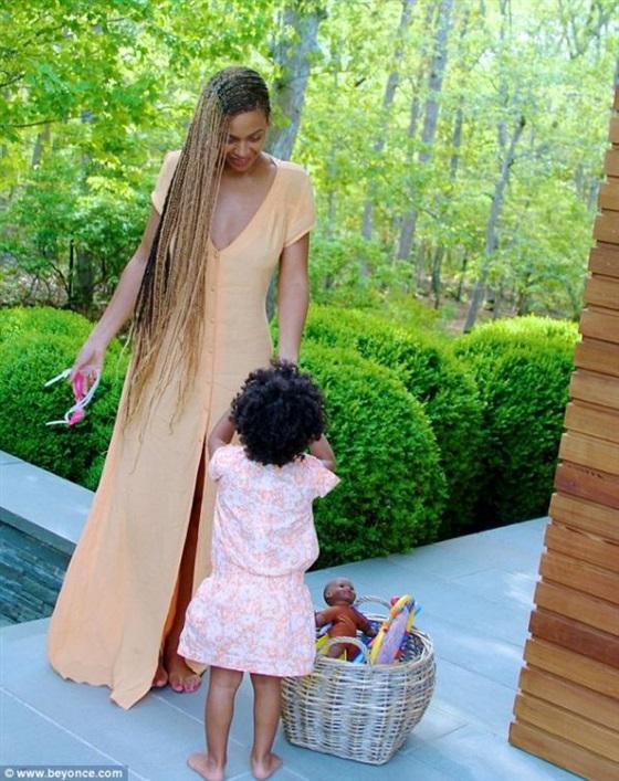 صور إيفي بلو ابنة بيونسيه , صور بيونسيه مع ابنتها إيفي بلو 2014
