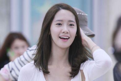 السيرة الذاتية للممثلة الكورية يوونا بطلة مسلسل الأمير والفقير 2014