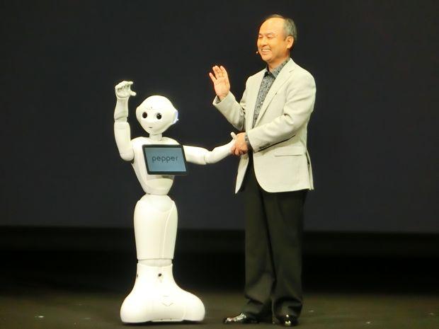 بالفيديو Pepper أول روبوت يفهم الإنسان ويتواصل معه بشكل كامل