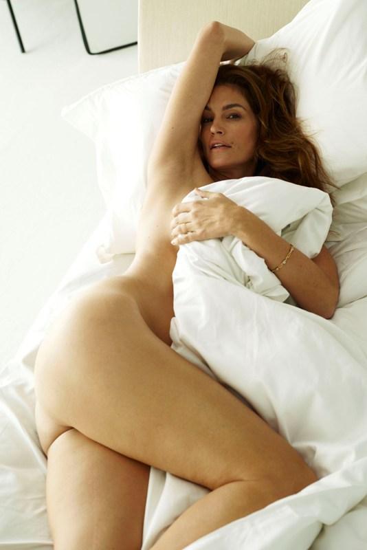 سيندي كروفورد عارية مجلة يونيو