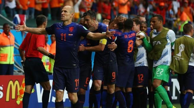رسميا تشكيلة مباراة هولندا و أستراليا في كأس العالم اليوم الاربعاء 18-6-2014