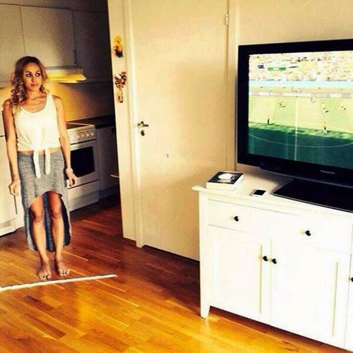 بالصور بخاخ كأس العالم لإبعاد الزوجات عن التلفزيون