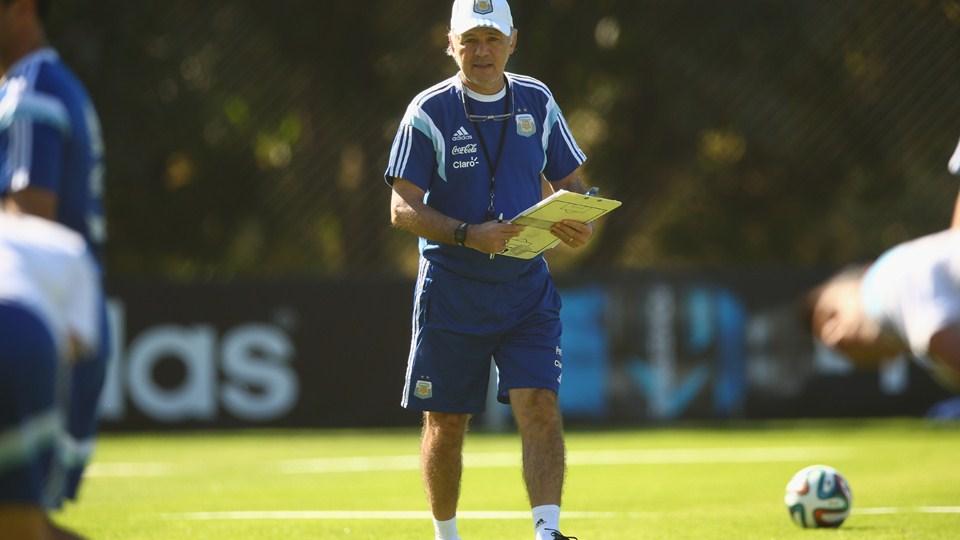 صور تدريبات المنتخب الأرجنتيني استعدادا لمباراة سويسرا في كأس العالم 2014