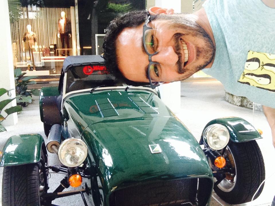 سيارة أحمد حلمي الجديدة 2014