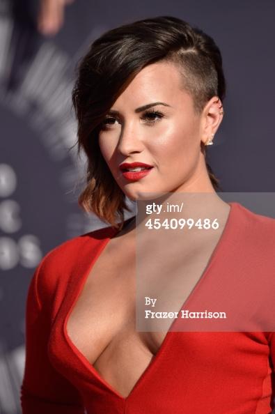 ��� ���� ������ �� ��� MTV Video Music Awards 2014