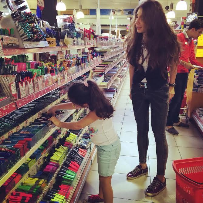 الإعلامية ديما صادق ابنتها 2015