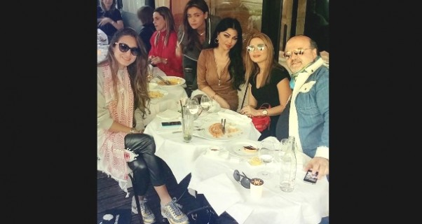 صور هيفاء وهبي في جلسة مميزة مع أصدقائها في باريس 2014