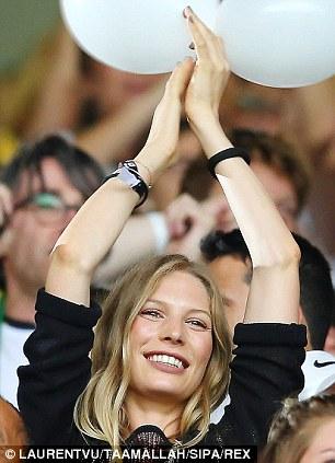 صور زوجات وصديقات لاعبي الدوري الألماني 2015