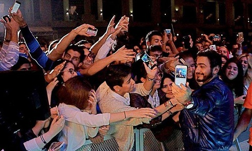 صور حفلة تامر حسني في حلبة البحرين الدولية 2014