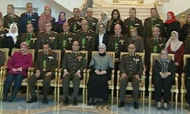 صور حياة الرئيس عبد الفتاح السيسى العسكرية والسياسية