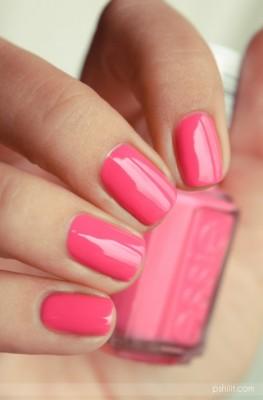 بالصور تصميمات أظافر باللون الوردي لإطلالة رومانسية 2015