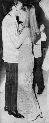 صور شمس البارودى وهي ترقص مع الامير خالد بن عبد العزيز