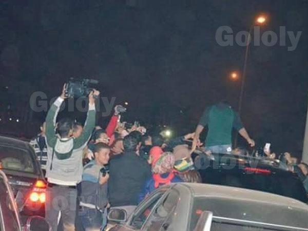 صور استقبال محمد شاهين نجم ستار اكاديمي 10 في مطار القاهرة الدولي