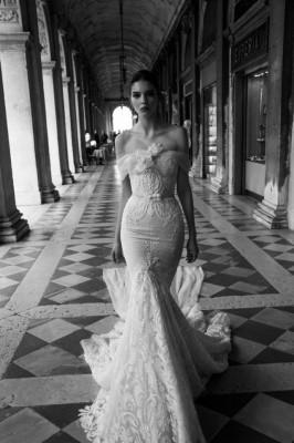 صور فساتين زفاف فخمة تصميم Inbal Dror موضة 2015