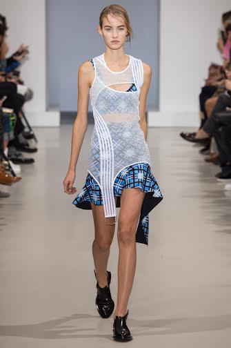 صور أزياء وفساتين جوليان دوسينا لربيع وصيف 2015