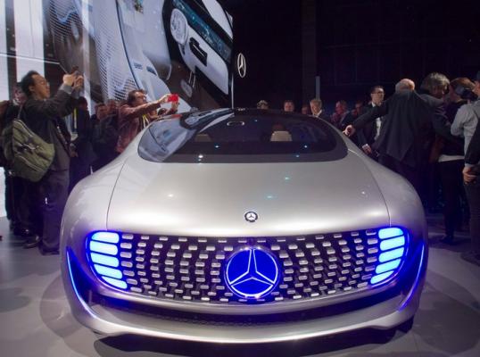 ��� �������� ����� ������ ��� Mercedes-Benz F 015