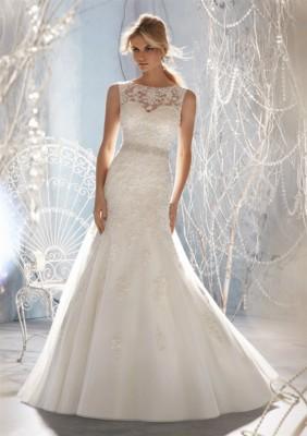4fc8c32cebb6e صور تصميمات عصرية من فساتين زفاف 2015