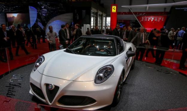 ��� �������� ����� ���� ����� 2016 Alfa Romeo 4C Spider