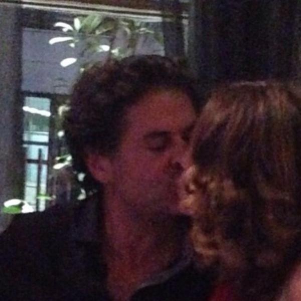 صور راغب علامة وهو يقبل زوجته في لحظات حميمة جدا 2015