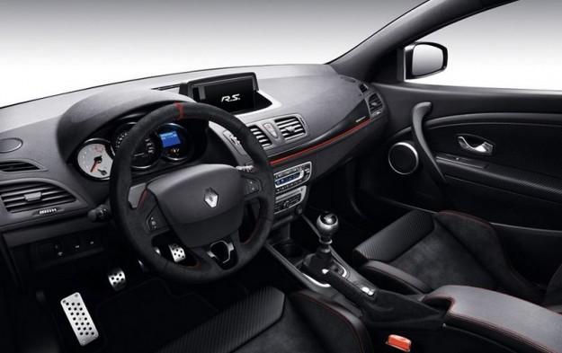 ��� ����� ���� ����� 2015 Renault Megane �� ������ ������� �� ������� 2015