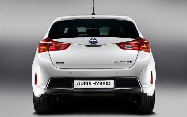 ������� ������ ����� ������ ����� Auris 2015 Toyota