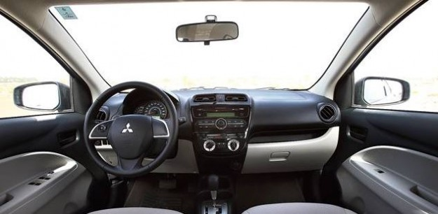مواصفات وأسعار سيارة ميتسوبيشى اتراج 2015 Mitsubishi Attrage