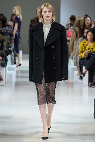 صور عرض أزياء نينا ريتشي 2015 في أسبوع الموضة بباريس