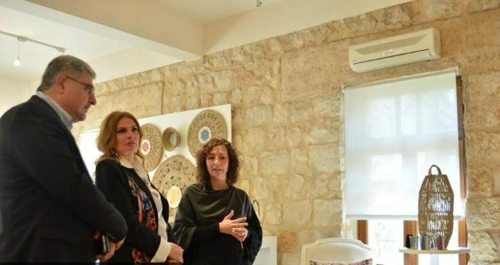 صور الملكة رانيا العبد الله مع الفنانة المصرية يسرا