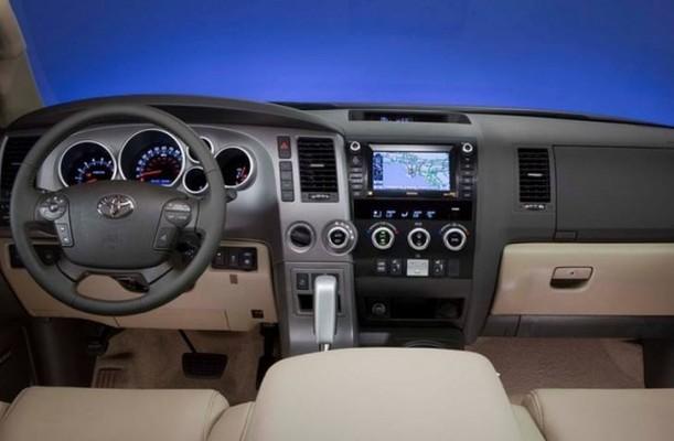 صور مواصفات سعر سيارة تويوتا سيكويا موديل 2015