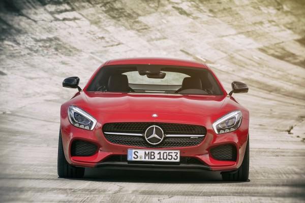 صور ومواصفات وسعر سيارة مرسيدس Mercedes-AMG GT S موديل 2016