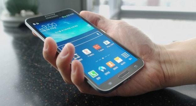 بالصور أبرز 5 هواتف ذكية بشاشة منحنية 2015