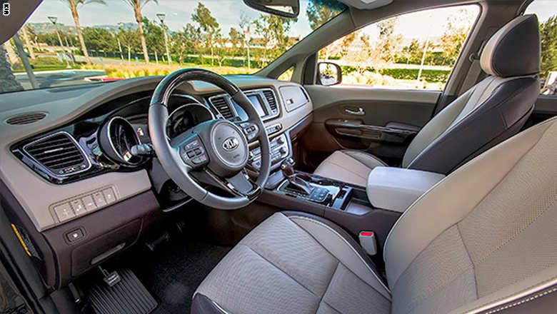 صور سيارة مرسيدس c400 من الداخل والخارج 2015