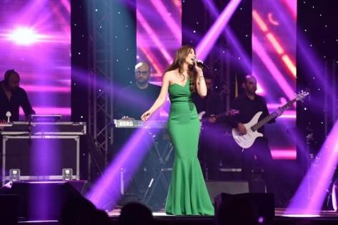 صور حفلة نانسي عجرم في البحر الميت 2015