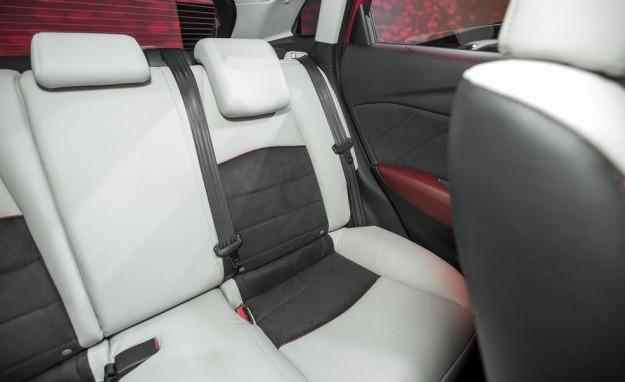 صور ومواصفات وسعر سيارة مازدا Mazda CX3 موديل 2016