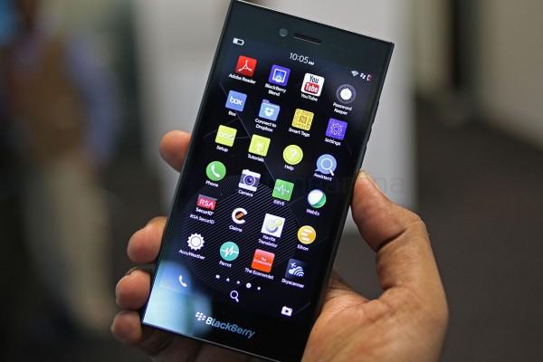 ��� �������� ���� ���� ���� ���� BlackBerry Leap ������ 2015