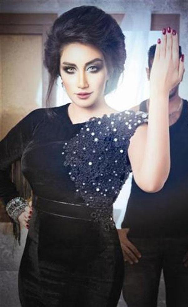 صور الفنانة البحرينية حنان رضا بالحجاب 2015