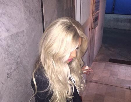 صور مايا دياب بعد تغيير لون شعرها إلى البلاتيني الأبيض 2015