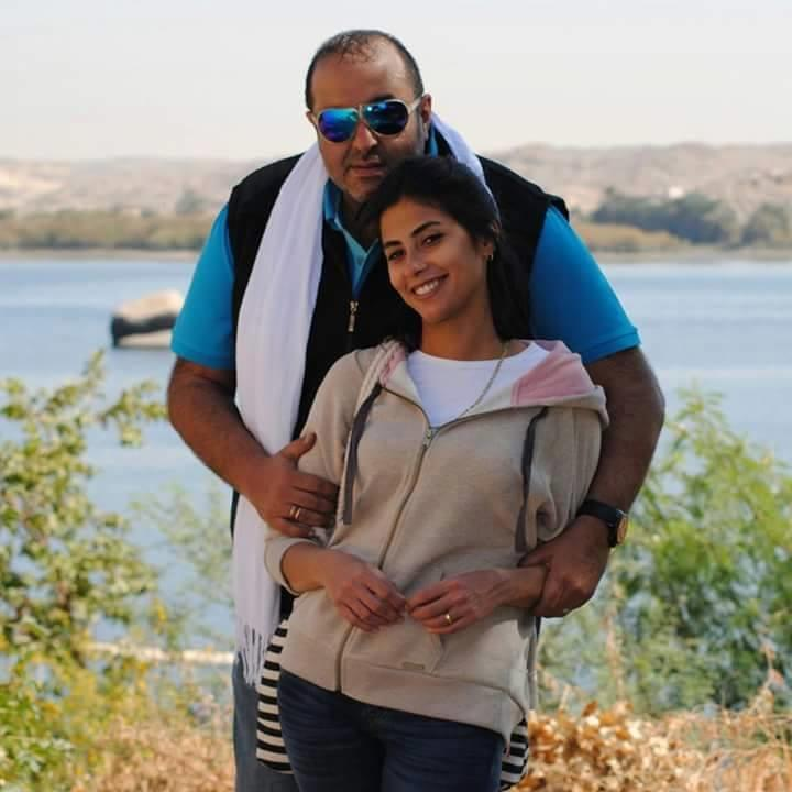 روبي حامل الشهر الخامس زوجها