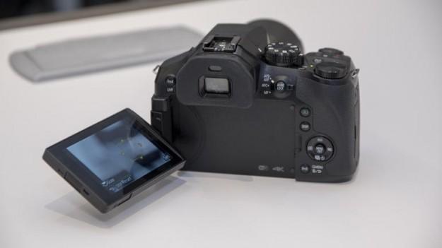 ومواصفات وسعر كاميرا باناسونيك Lumix