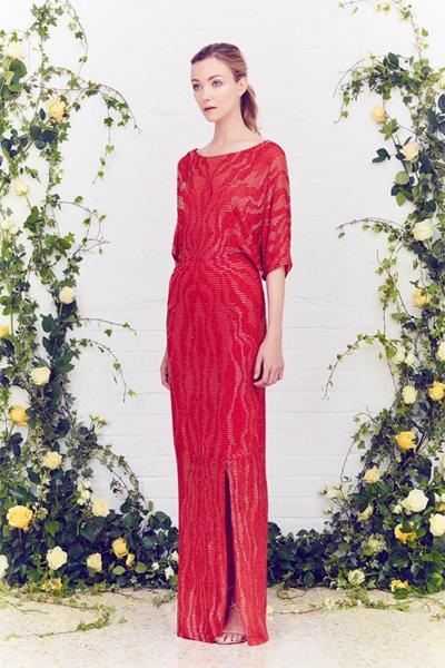 بالصور أجمل فساتين المصممة الأزياء الإنجليزية جيني بيكهام 2015