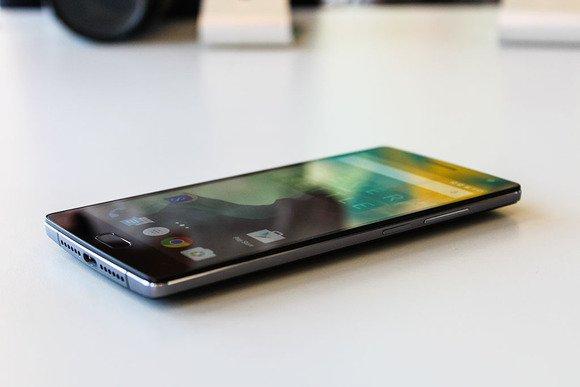 ����� ����� �� ������� ���� OnePlus 2 ������ ��������