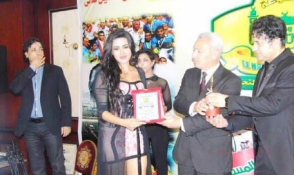 صور شيما الحاج بملابس عارية في حفل تكريمها في بور سعيد 2015