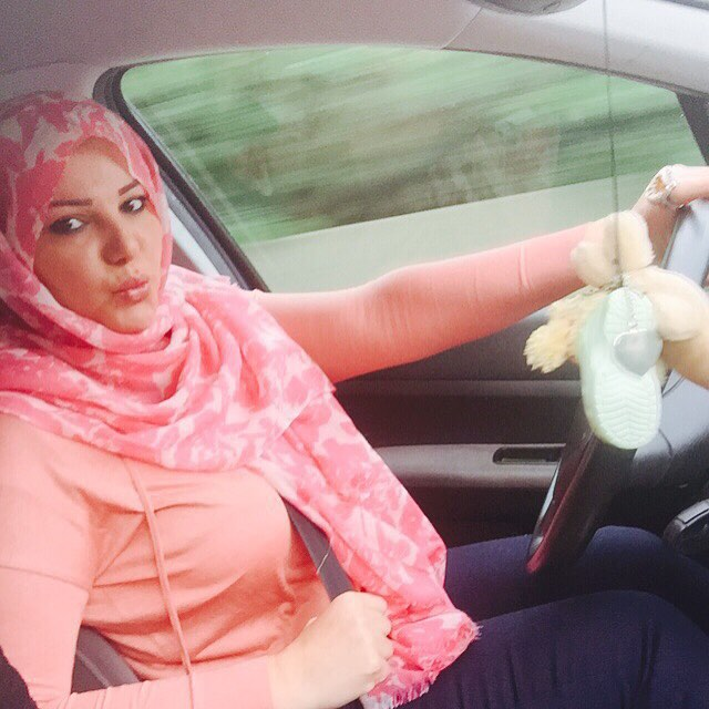 صور شقيقة مي حريري بالحجاب 2015