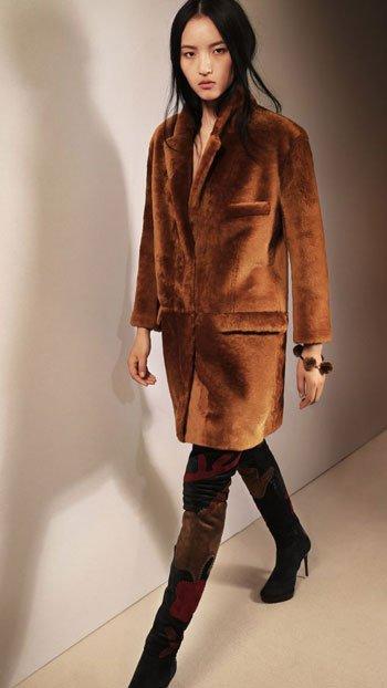 صور أزياء وملابس ماركة Burberry لشتاء 2016