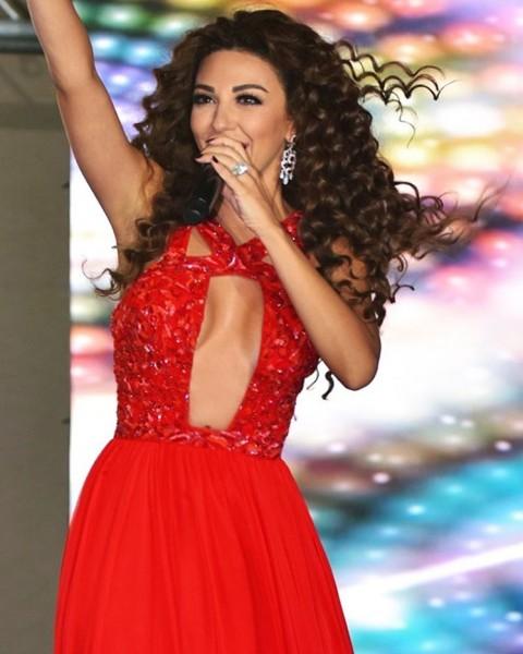 صور ميريام فارس بفستان احمر في حفلة عيد الاضحى 2016
