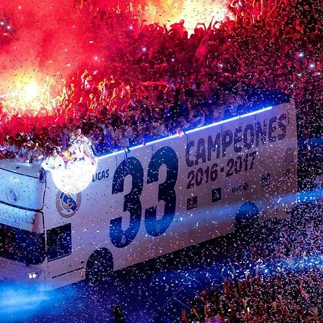 صور بوستات كريستيانو رونالدو 2017/2018