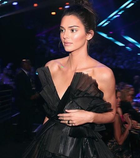 صور نجمات الفن والغناء في حفل People's Choice Awards 2018