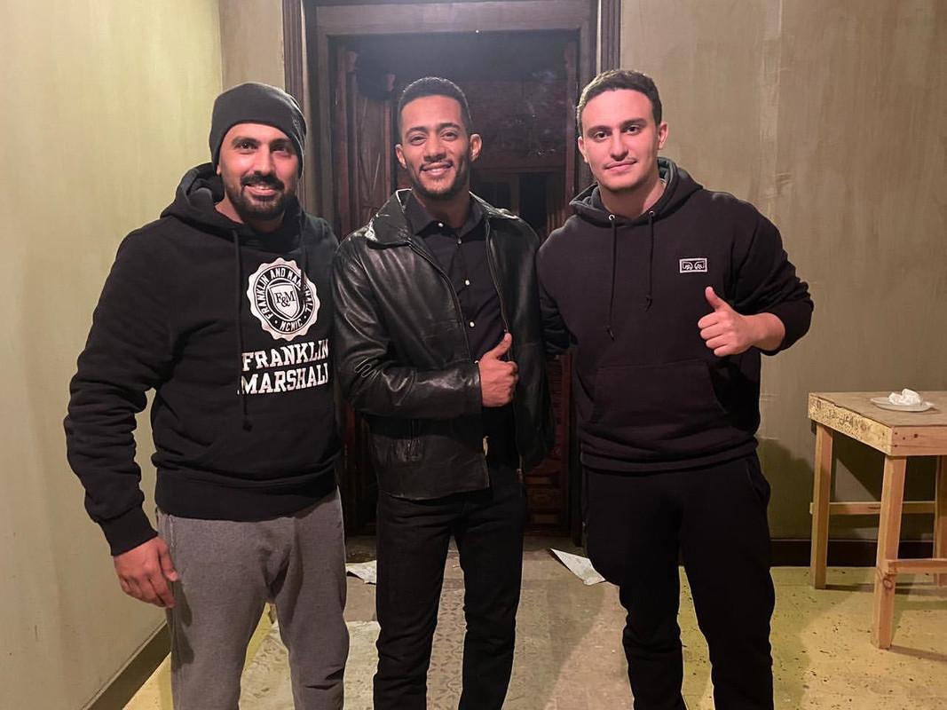 صورة ياسين ابن السقا مع نجوم مسلسل البرنس محمد رمضان ومحمد سامي