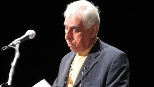 من هو الشاعر العراقي سعدي يوسف